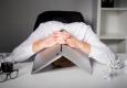Twee derde Nederlanders ergert zich aan digibeten op werk